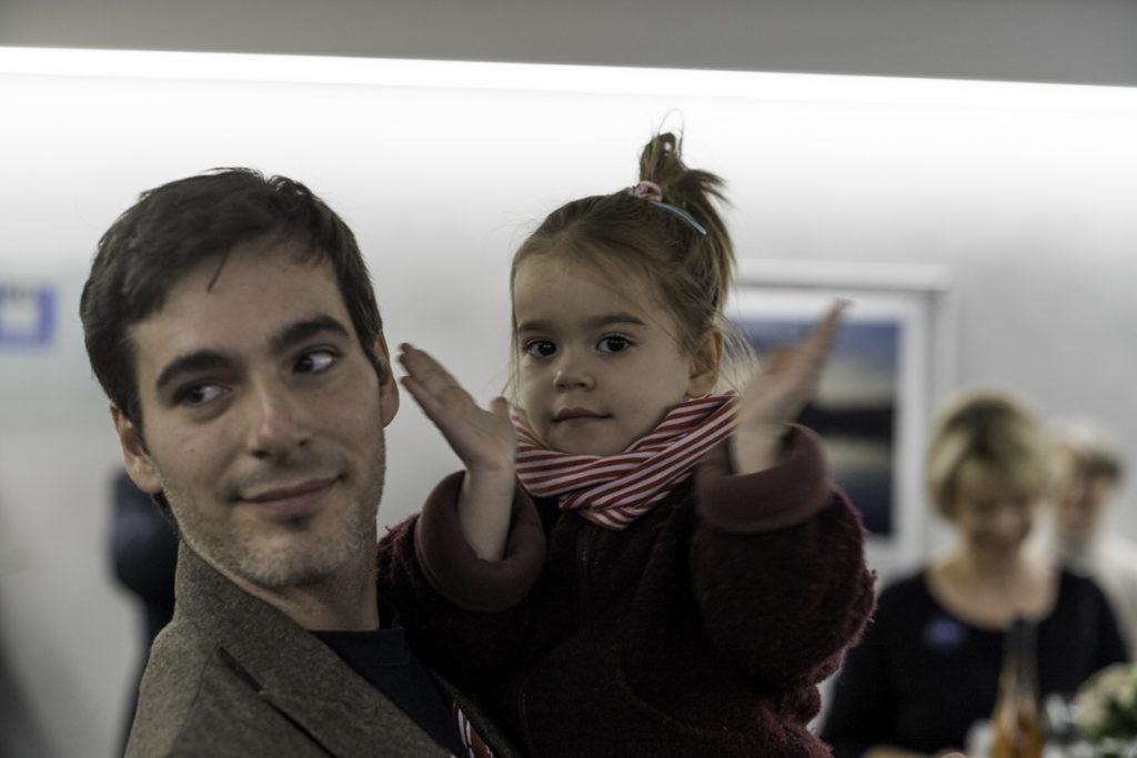 Bastian Bertram, Teilnehmer am Wettbewerb, mit seiner kleinen Tochter