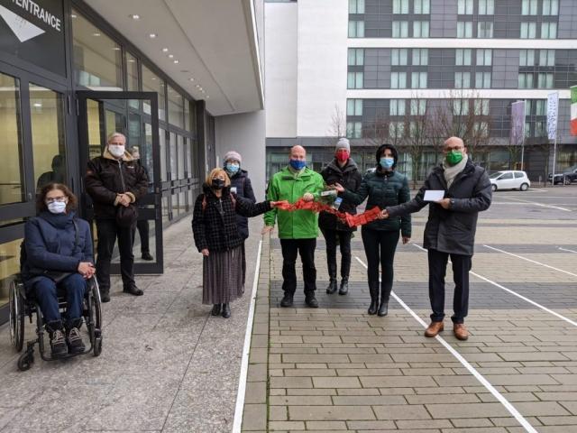 Adventskalenderübergabe an die Ratsfraktion Bündnis 90/ Grüne vor der Ratssitzung in der Grugahall